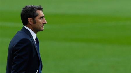 Ernesto Valverde menghadapi dilema besar jelang pertandingan penyisihan grup Liga Champions 2019-2020 antara Barcelona vs Inter Milan. - INDOSPORT