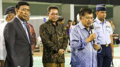 Indosport - Jusuf Kalla saat memberikan pidato di Pelatnas PBSI, Cipayung, Jakarta Timur.
