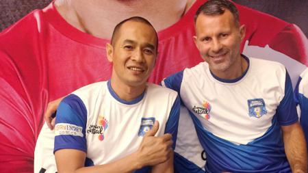 Kurniawan Dwi Yulianto dan Ryan Giggs. - INDOSPORT