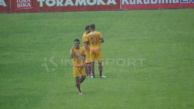 Selebrasi pemain Sriwijaya FC. Copyright: Muhammad Effendi/INDOSPORT