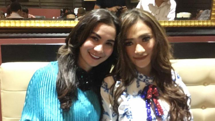 Duet Amel Alvi dan Isya Jeeperson yang bernama Duo Cantik merilis single berjudul Wolesin Aja. Copyright: Ari/tabloidbintang.com