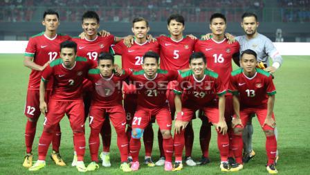 Skuat Timnas Indonesia saat menghadapi Kamboja. INDOSPORT/Herry Ibrahim
