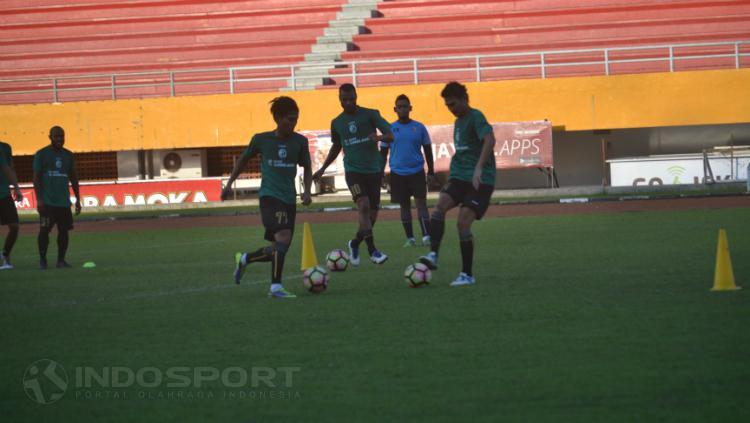 Suasana latihan Sriwijaya FC. Copyright: Muhammad Effendi/INDOSPORT