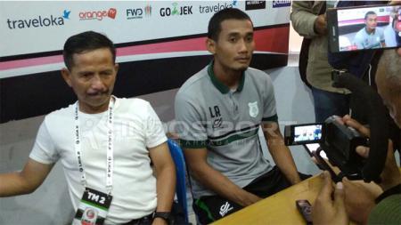 Pelatih PSMS Medan, Djajang Nurdjaman (kiri). - INDOSPORT