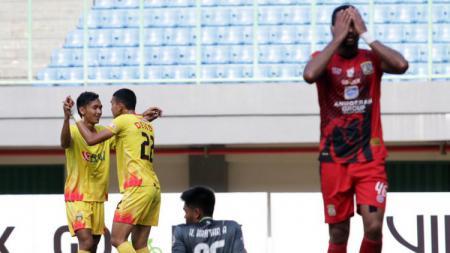 Ekspresi kecewa pemain Persiba setelah dikalahkan Bhayangkara FC. - INDOSPORT