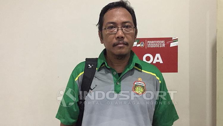 Sekretaris Bhayangkara FC, Rahmad Sumanjaya. Copyright: INDOSPORT/Muhammad Adi Yaksa