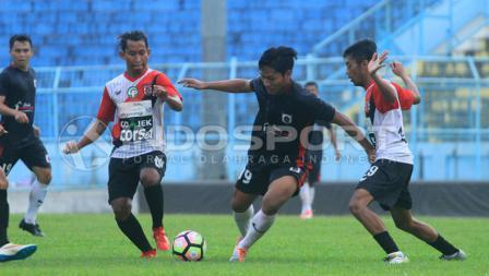 PSBK Blitar vs Persewangi Banyuwangi.