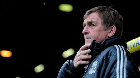 Legenda Liverpool, Kenny Dalglish dikabarkan telah dipulangkan dari rumah sakit meskipun diketahui positif terjangkit virus Corona (Covid-19). - INDOSPORT