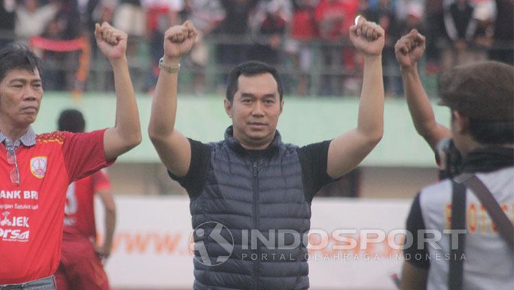 Presiden Pasoepati, Bimo Putranto, memberikan kiriman duka untuk fans Persita Tangerang  yang tewas. Copyright: INDOSPORT/Ghozi El Fitra