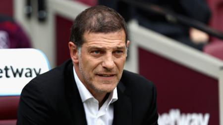 Pelatih West Brom Slaven Bilic memberikan kecaman kepada wasit usai timnya kalah dari Manchester United di Liga Inggris 2020/21. - INDOSPORT