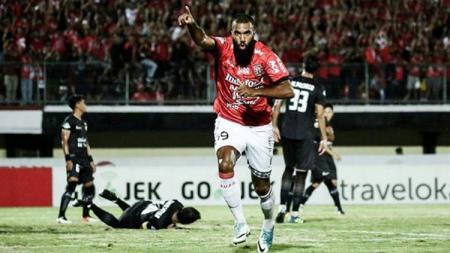 Sylvano Comvalius saat memperkuat Bali United. - INDOSPORT