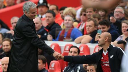 Sempat menangkan Liga Champions bersama Porto, Jose Mourinho nyaris berlabuh ke Liverpool. - INDOSPORT