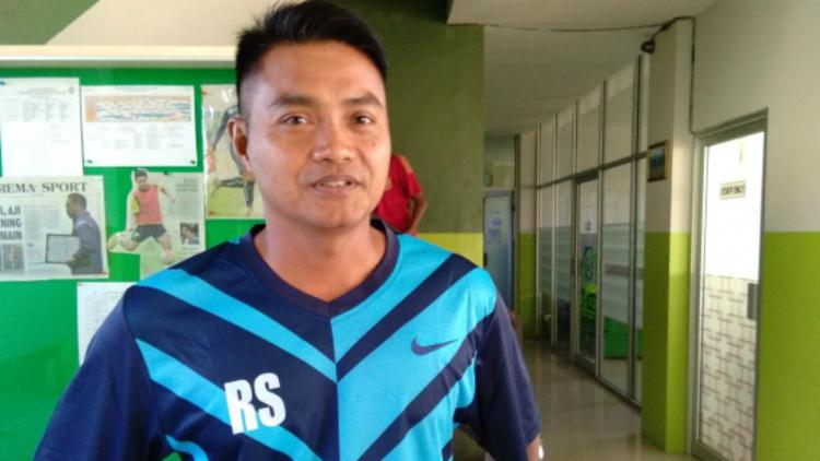 Redi Supriyanto, pelatih PSMP Mojokerto. Copyright: SURYAKABAR