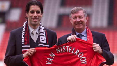 Ruud van Nistelrooy saat pertama kali didatangkan oleh Man United. - INDOSPORT