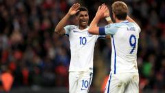 Indosport - Harry Kane dan Marcus Rashford saat membela Timnas Inggris.