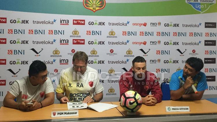 PSM Makassar dalam jumpa pers. Copyright: Muhammad Adiyaksa/INDOSPORT