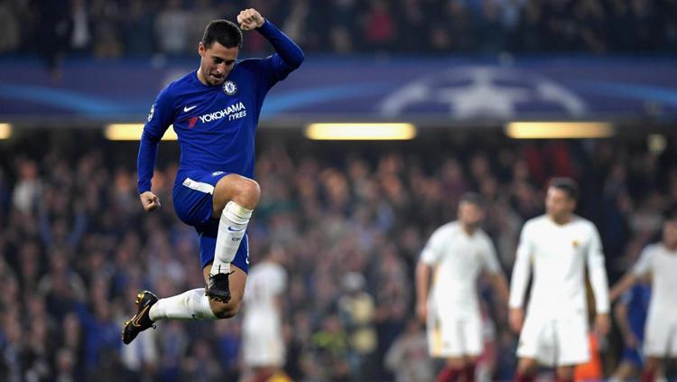 Eden Hazard melakukan selebrasi saat usai membobol gawang AS Roma. Copyright: INDOSPORT