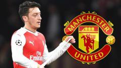 Indosport - Mesut Ozil dirumorkan akan ke Manchester United pada musim depan.