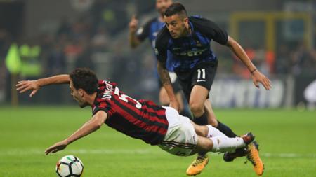 Jadwal pertandingan legendaris antara Milan dan Inter yang bertajuk Derby Della Madonnina dalam Serie A 2019/20 diprediksi akan diubah akibat Car Free Day - INDOSPORT