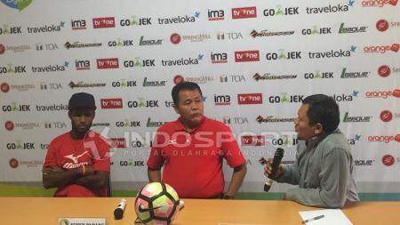 Semen Padang dalam jumpa pers. - INDOSPORT