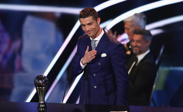 Cristiano Ronaldo saat menjuarai The Best FIFA Football Awards, Januari silam. Copyright: INDOSPORT