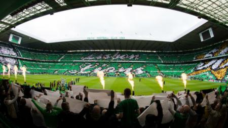 Koreografi Celtic dalam laga vs Hearts. - INDOSPORT