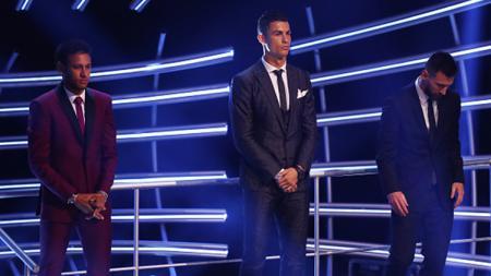 Neymar, Cristiano Ronaldo, dan Lionel Messi dalam acara The Best FIFA Football Awards 2017. - INDOSPORT