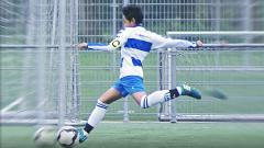 Indosport - Bintang muda Indonesia yang bergabung dengan tim U-14 AFC Amsterdam, Richie Risnal ikut berbangga saat mendengar kabar bergabungnya Bagus Kahfi dengan FC Utrech