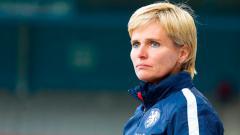 Indosport - Sepak bola pria butuh pelatih wanita.