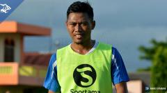 Indosport - Toni Sucipto, bek Persib Bandung.