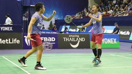 Pasangan ganda putri Indonesia, Greysia Polii dan Apriani Rahayu di ajang Prancis Terbuka Super Series 2017. - INDOSPORT