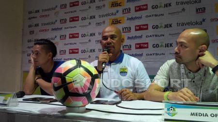Herrie Setyawan usai laga Persib Bandung melawan Mitra Kukar. - INDOSPORT