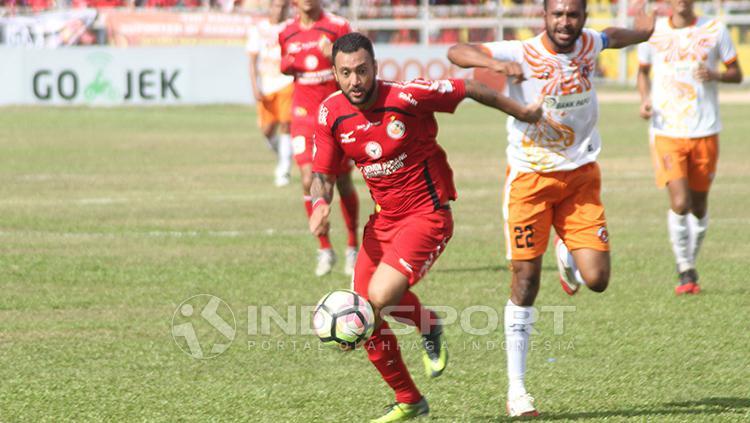 Marcel Sacramento, striker Semen Padang Copyright: Indosport/Taufik Hidayat