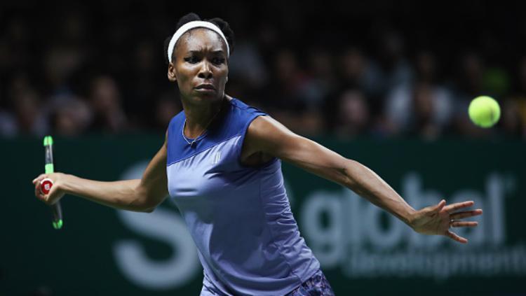 Venus Williams beraksi di partai puncak WTA Finals. Copyright: INDOSPORT