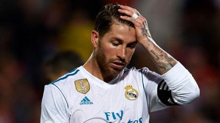 Sergio Ramos menunjukan wajah semrawut usai kalah dari Girona. - INDOSPORT