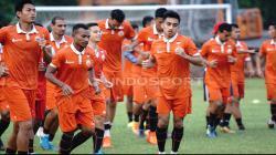 Latihan Persija Jakarta jelang melawan Persib Bandung.