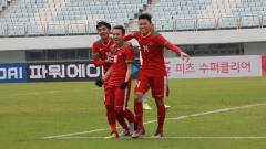 Indosport - Selebrasi para pemain Timnas Indonesia U-19 usai mencetak gol ke gawang Timor Leste U-19.