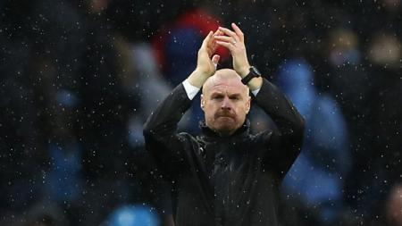 Pelatih sepak bola Burnley, Sean Dyche, membongkar rahasia timnya mampu mengalahkan Liverpool dalam pertandingan Liga Inggris 2020-2021 di Stadion Anfield. - INDOSPORT