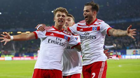 Pemain Hamburg lakukan selebrasi. - INDOSPORT