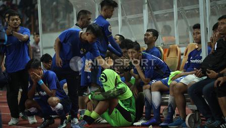 Kesedihan para pemain Persib Bandung U-19.