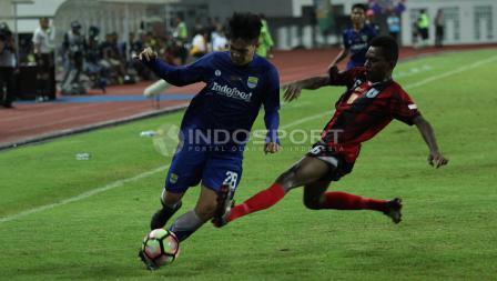 Persipura Jayapura U-19 vs Persib Bandung U-19.