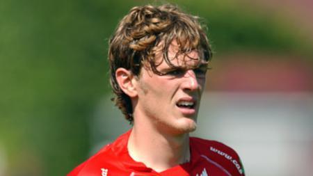 Mantan pemain Belgia, Denis Dasoul. - INDOSPORT