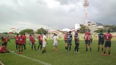 Indosport - PSM Makassar saat ingin latihan.