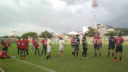 PSM Makassar saat ingin latihan. - INDOSPORT