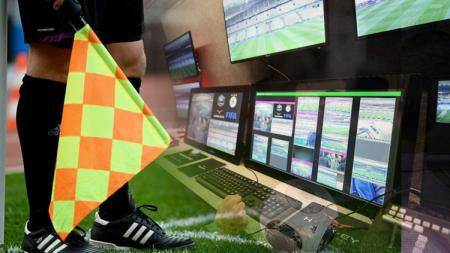 Ilustrasi Video Assistant Referee. - INDOSPORT