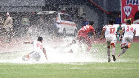 Situasi pertandingan antara Persis Solo melawan Martapura FC. Herry Ibrahim/INDOSPORT