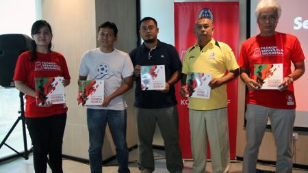 Acara peluncuran buku filosofi sepakbola indonesia. - INDOSPORT