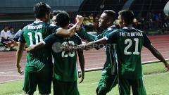 Indosport - Selebrasi para pemain PSMS Medan. Herry Ibrahim/INDOSPORT