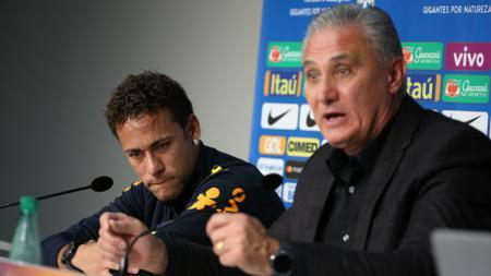 Pelatih Timnas Brasil, Tite, membeberkan kondisi Neymar yang belakangan ini mendapat perlakuan kurang baik di level klub. - INDOSPORT