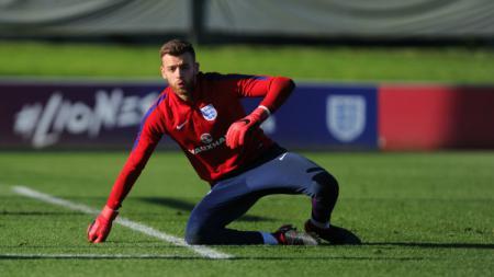 Gunn, sebelumnya berlatih bersama timnas Inggris U-21 - INDOSPORT